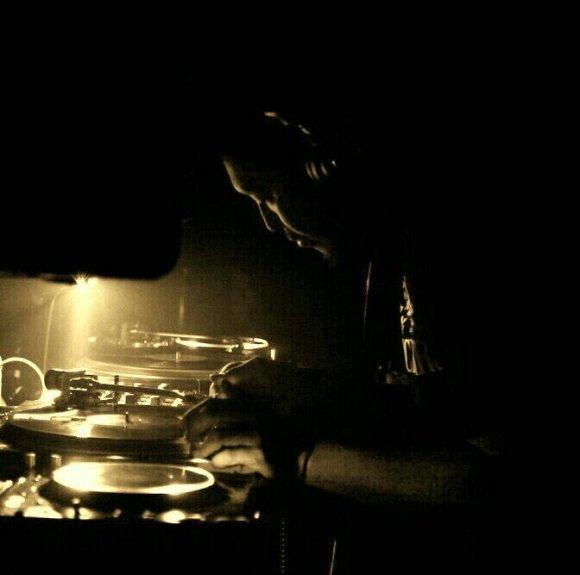 DJ YAZI (BLACK SMOKE /TWIN PEAKS)